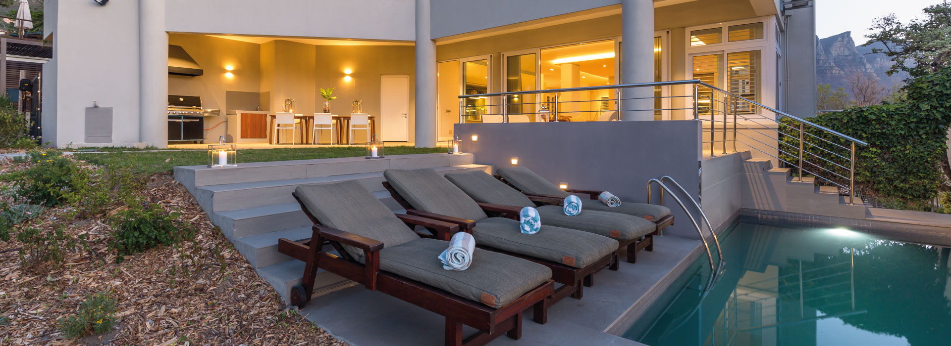 Camps Bay Retreat - Pool Lounger