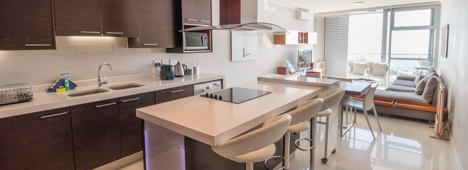 The Crystal - Apartment Kitchen
